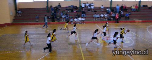 Encuentro de basquetbol entre Colegio San Diego de Huepil y Yungay