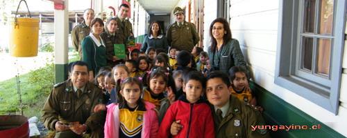 Prekinder del Colegio Cholguán visitaron a Carabineros de Yungay