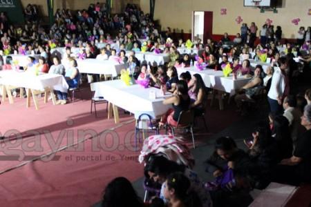 En Yungay Municipio Celebró a las Mujeres en su Día