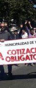 Trabajadores de Municipalidad de Yungay a Honorarios Protestan en Contra de las Cotizaciones Obligatorias