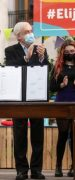 En el Día de la Madre: Presidente Piñera Promulga Ley que Permite Cambiar Orden de Apellidos de las Personas